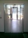 Alsó - felsõ forgáspontos ajtó, nyitható oldalszárnyal