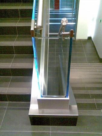 Lépcsőkorlát alsó szegése 1