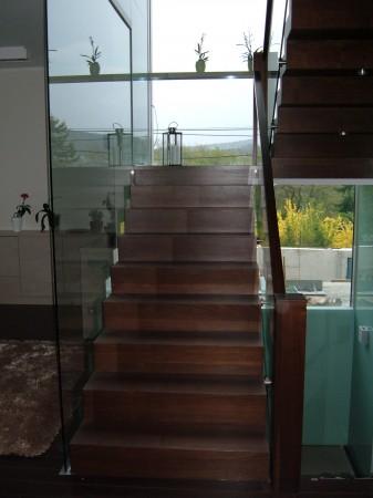 Lépcső üvegezés