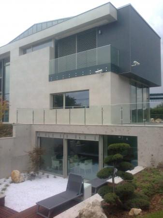 Családi ház homlokzat
